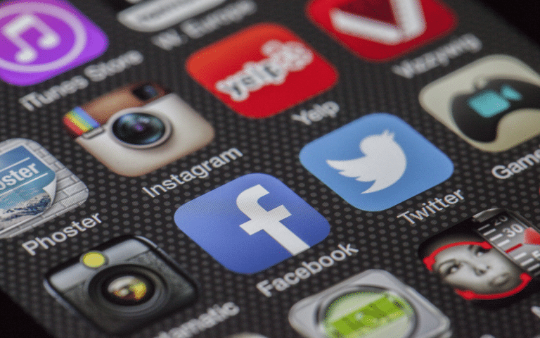 Learn social media as marketing strategy With This social media marketing course